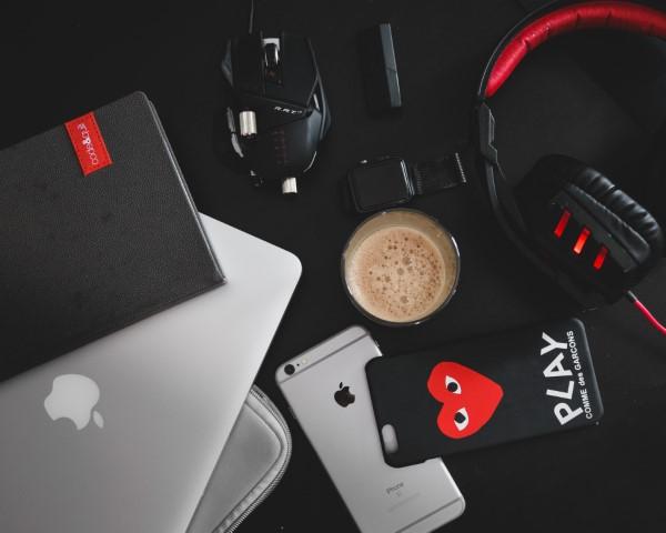 Desktop electronic gadgets